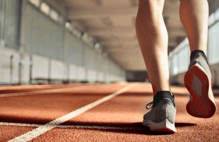 Foundation for Athletic Excellence 和 Gildan 的合作夥伴關係: 自 2005 年以來的支助 USD150,000 助學金,今年的 Leadership 助學金已達 USD10,000